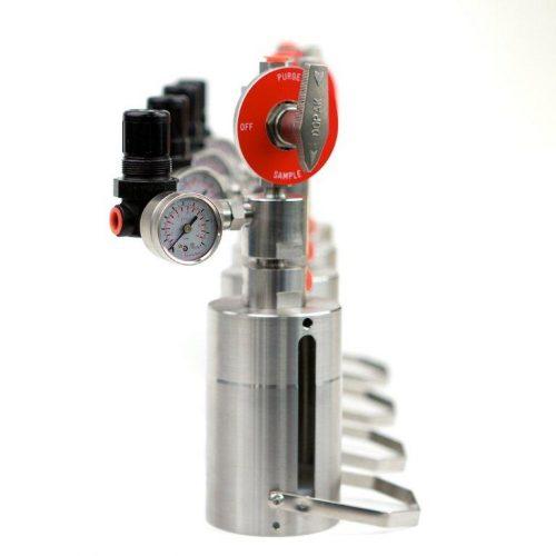 Low pressure chemical liquid sampling system